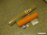Исходные материалы: коврик Floortex, рулон пробкового покрытия, туристическая пенка, двусторонний скотч, винты с потайными головками.