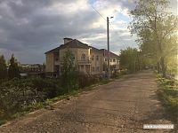Вот такие домики растут на энгельсской набережной.