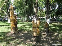 Деревянные скульптуры.