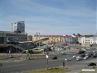 Одна из центральных площадей Казани. С неё начинается улица Баумана.
