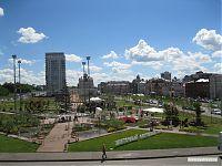 Дизайнерский парк, отведённый под цветочный фестиваль.