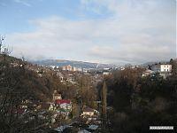 Вид на город со склона Берёзовского ущелья; за спиной - наш домик.