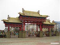 Ворота храма.