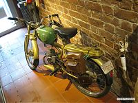 Мотоцикл не роскошь, а средство передвижения.