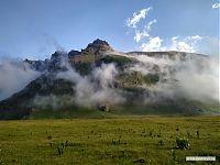 Вид на скалы с «Аэродрома» (2850).