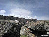 Эльбрус, вид с севера, с плато «Грибы». Высота примерно 3 200.