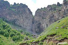 Грязный водопад Султан. Высота, говорят, 40 метров.