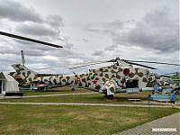 Вертолёт с открытым десантным отсеком.