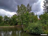Вот такие места можно встретить в городских парках.