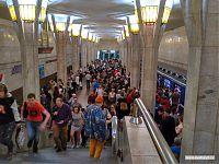 Минское метро, единственная пересадочная станция. И даже не час пик.