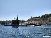 Подводные лодки в севастопольском порту.
