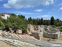 Остатки древнего театра.