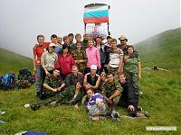 Все вместе, на фоне флагов России и СГМУ... ну или на фоне осадкоизмерителя, кому как больше нравится :).