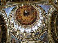 Купол собора. Вид изнутри. Когда-то тут висел маятник Фуко, но потом власти сделали реверанс в сторону церкви, и его сняли.
