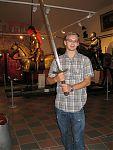 Дали подержать меч :) Тяжёлый, килограмма на четыре с половиной тянет... )