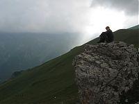 Добрались! Можно и посидеть отдохнуть на скале...