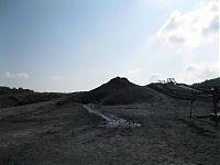 Грязевой вулкан Шуго.