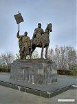 Памятник основателю Симбирска (так раньше назывался Ульяновск) Богдану Хитрово.