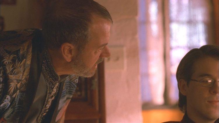Магистрат Хиггинс «воспитывает» сына, которого хотел «сделать мужчиной».