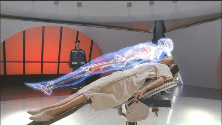 Саймон проводит 3D-сканирование Ривер.