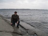 ...издалека долго течёт река Волга...