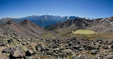 Вид с вершины Сковорода. Справа - озеро Сылтранкёль.