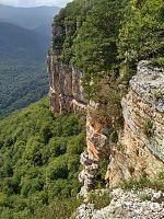 Скалы Гуамского ущелья, недалеко от Мезмая.
