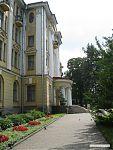 Центральный вход в ботанический музей.