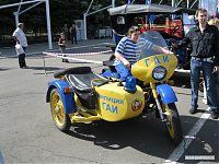 И почти исчезнувшее из нашего быта — милицейский мотоцикл с коляской :)