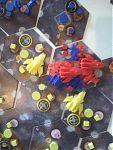 Мега-битва красных с жёлтыми с синими.