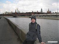 Я на фоне перестраивающегося Кремля.