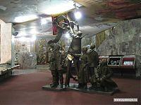Скульптурная композиция на тему торжества мирового пролетариата.
