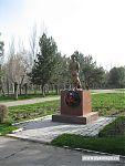 А это - памятник погибшим пограничникам.