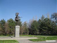 Бюбюсара Бейшеналиева, известная советская балерина и артистка.