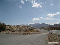 Типичные дорожные пейзажи по дороге в Чолпон-Ату.